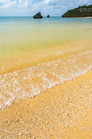 石垣島,久宇良周辺の砂浜の写真素材 [FYI01718881]