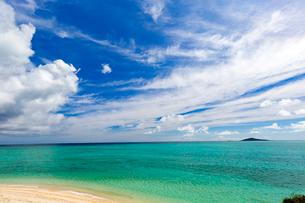 池間島から望む海の写真素材 [FYI01719123]