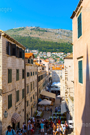 聖イグナチオ教会の階段から望む旧市街の写真素材 [FYI01719202]