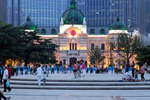 中山広場(音楽広場)の体操とダンスの写真素材 [FYI01719331]