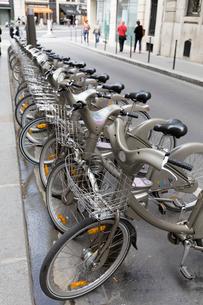パリ市営レンタサイクル、ヴェリブの写真素材 [FYI01719411]