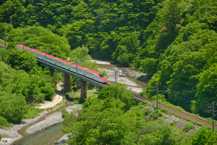 秋田新幹線(E6系)の写真素材 [FYI01719527]
