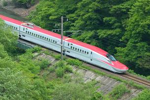 秋田新幹線(E6系)の写真素材 [FYI01719828]