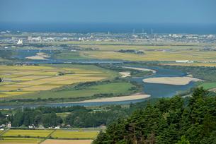 最上川と庄内平野と日本海の写真素材 [FYI01719885]