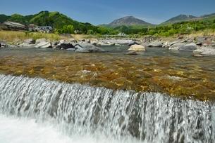 大谷川と男体山の写真素材 [FYI01720007]