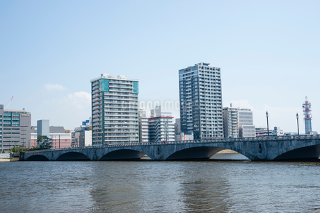 万代橋の写真素材 [FYI01720442]