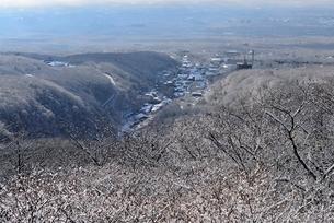 冬の那須湯本温泉街の写真素材 [FYI01720499]
