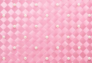 リボンで作ったチェック柄とパールのデコの写真素材 [FYI01720779]