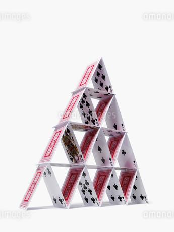 トランプでできたピラミッドの写真素材 [FYI01721019]