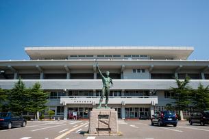 新潟市陸上競技場の写真素材 [FYI01722543]