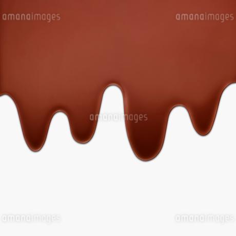 とろりとかかるミルクチョコレートの写真素材 [FYI01724466]