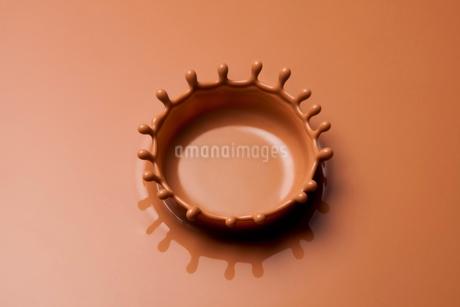 ミルクチョコレートのクラウンの写真素材 [FYI01724494]