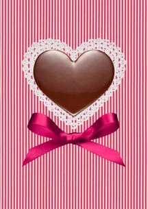 ハートのバレンタインチョコの写真素材 [FYI01724613]