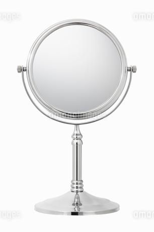 鏡の写真素材 [FYI01724977]