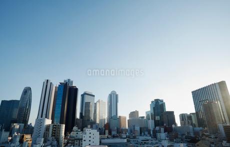 東京新宿のビル群の写真素材 [FYI01725302]