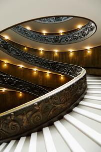 バチカン美術館のらせん階段の写真素材 [FYI01726059]