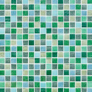 緑色のモザイクタイルの写真素材 [FYI01726604]