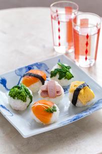 手まり寿司の写真素材 [FYI01726902]
