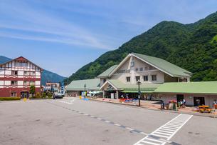 黒部峡谷鉄道の宇奈月駅の写真素材 [FYI01732907]