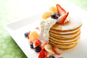 ハワイアンパンケーキの写真素材 [FYI01733064]