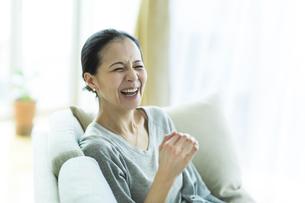 笑顔の女性の写真素材 [FYI01733144]