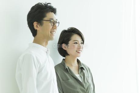 笑顔の男女の写真素材 [FYI01733627]