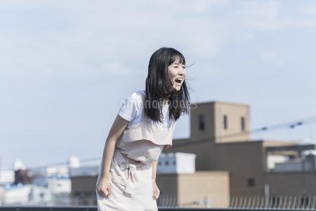 叫ぶ女の子の写真素材 [FYI01733756]
