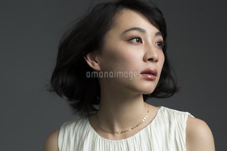 若い女性のビューティーイメージの写真素材 [FYI01733768]