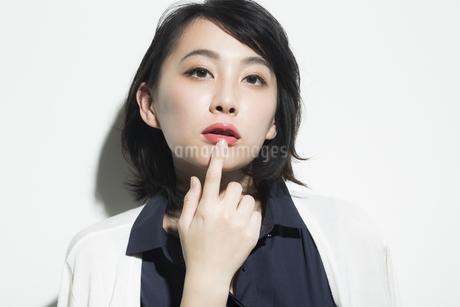 若い女性のビューティーイメージの写真素材 [FYI01733825]