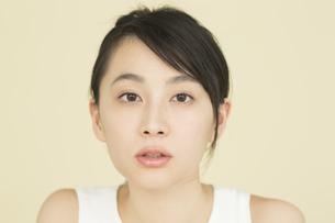 若い女性のビューティーイメージの写真素材 [FYI01733869]
