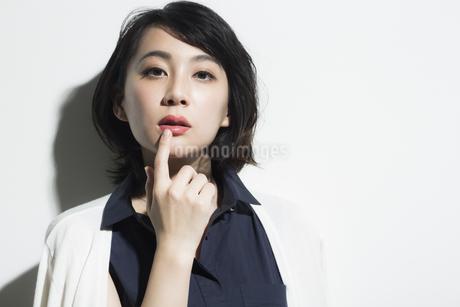 若い女性のビューティーイメージの写真素材 [FYI01733979]