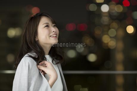 笑顔のビジネスウーマンの写真素材 [FYI01734050]