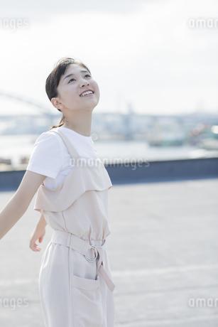 笑顔の女の子の写真素材 [FYI01734516]