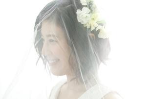 20代花嫁の写真素材 [FYI01735652]