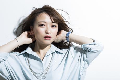 若い女性のビューティーイメージの写真素材 [FYI01735816]