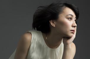 若い女性のビューティーイメージの写真素材 [FYI01736166]