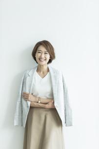 笑顔のビジネスウーマンの写真素材 [FYI01736486]