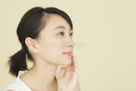 若い女性のビューティーイメージの写真素材 [FYI01736872]
