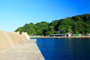 夏の小袖漁港 あまちゃんロケ地の写真素材 [FYI01739551]