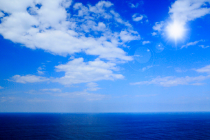 青空と海の写真素材 [FYI01739649]