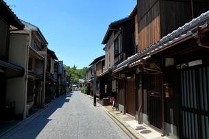 京都  上七軒の街並みの写真素材 [FYI01741977]