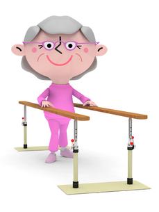 リハビリ平行棒で歩行訓練をするシニア女性の写真素材 [FYI01743350]