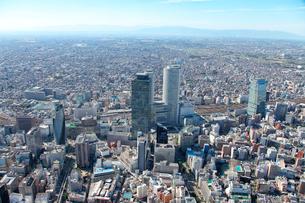 JR名古屋駅界隈の超高層ビル群遠景の航空写真の写真素材 [FYI01743470]