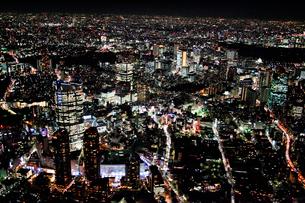 港区六本木夜景の航空写真の写真素材 [FYI01743486]