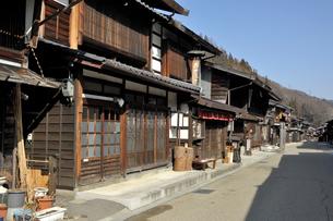 奈良井宿の町並みの写真素材 [FYI01744037]