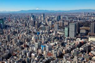 京橋周辺から銀座、富士山を望む航空写真の写真素材 [FYI01744066]