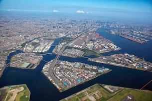 首都高速湾岸線京浜島、昭和島付近の航空写真の写真素材 [FYI01744753]