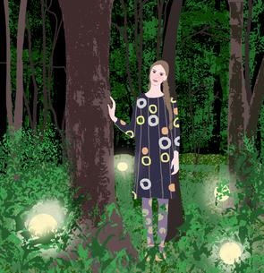 森に立つ少女のイラスト素材 [FYI01745501]