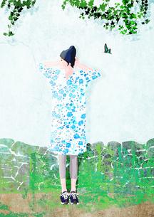 壁際で立つ女性のイラスト素材 [FYI01745626]