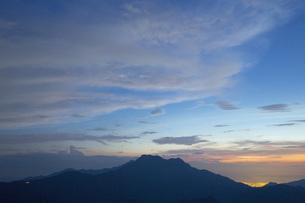 石鎚山の夕暮れの写真素材 [FYI01746077]
